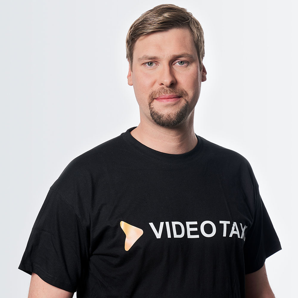 Tobias is part of the Video.Taxi team